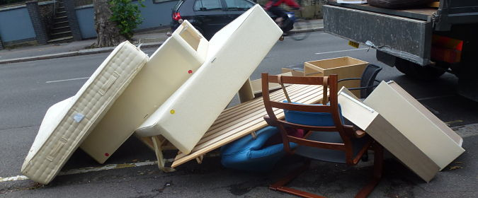 Dispose of old sofa your old ugly sofa 7 ways to dispose for Furniture removal