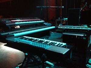 Keyboards, Stands, other large Instruments and other Band Equipment Transportation