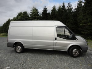 Ford Transit - Long Wheelbase, Medium-High Roof for average aparment and house moves and small to medium-sized office moves