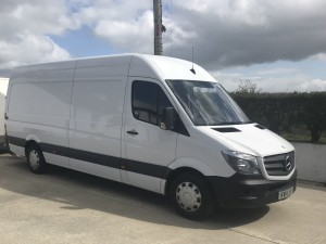 Extra-Large Van (XL) for large house and apartment removals, and medium to large office removals
