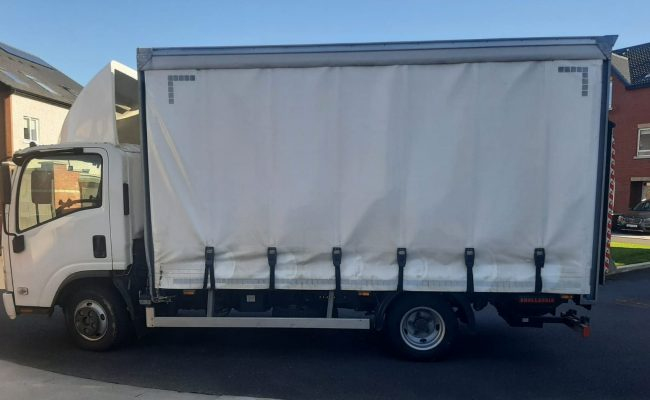 Luton Box-Body Van with side-curtain for easy access